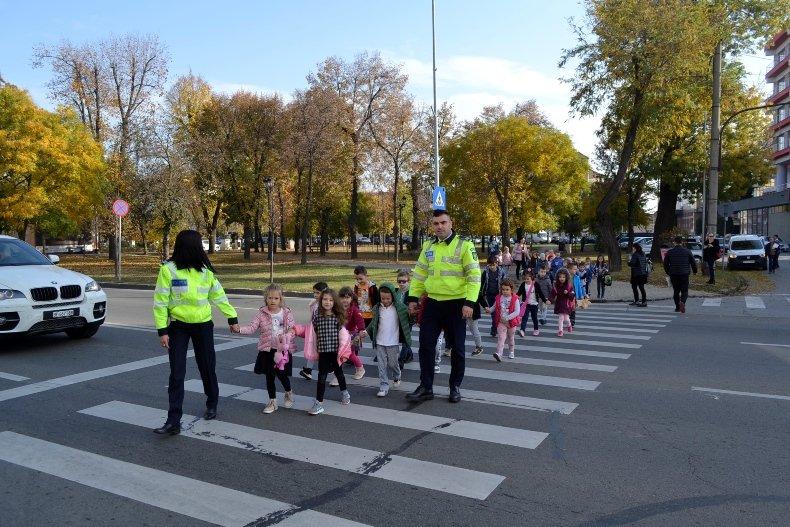 polițiștilor
